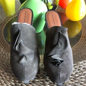 Marc Jacobs Olive Green Clogs
